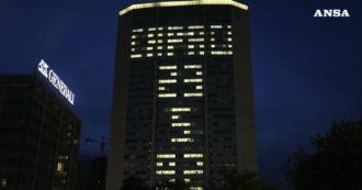 Giovanni Falcone, the Pirelli skyscraper in Milan illuminated with the inscription