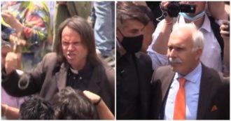 Orange vests in Rome, no masks and insults to Mattarella and Conte: the event