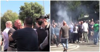 Ultrà-Forza Nuova in Rome, protester speaks to journalists and is attacked. Then you throw bottles and choirs against reporters and law enforcement officers