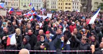 Coronavirus, thousands of protesters in Prague protest against restrictions: the Czech Republic has the highest rate of contagion in Europe