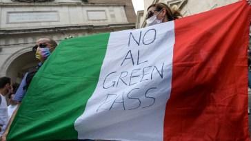 Green pass, martedì nuovo sit in a Roma contro l'obbligo. La Questura nega Piazza Montecitorio: sarà in Piazza del Popolo