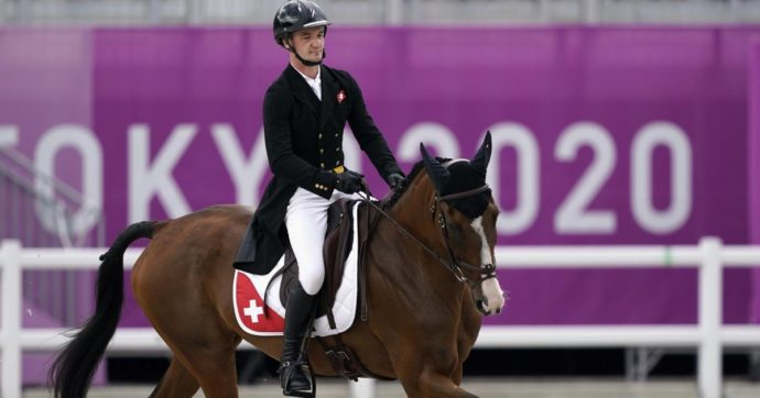 Tokyo 2021, il cavallo svizzero Jet Set abbattuto dopo un infortunio nella gara di cross country