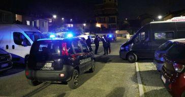 Brescia, 15enne uccisa da un colpo del fucile del padre: il fratello 13enne per errore ha premuto il grilletto. L'arma era incustodita