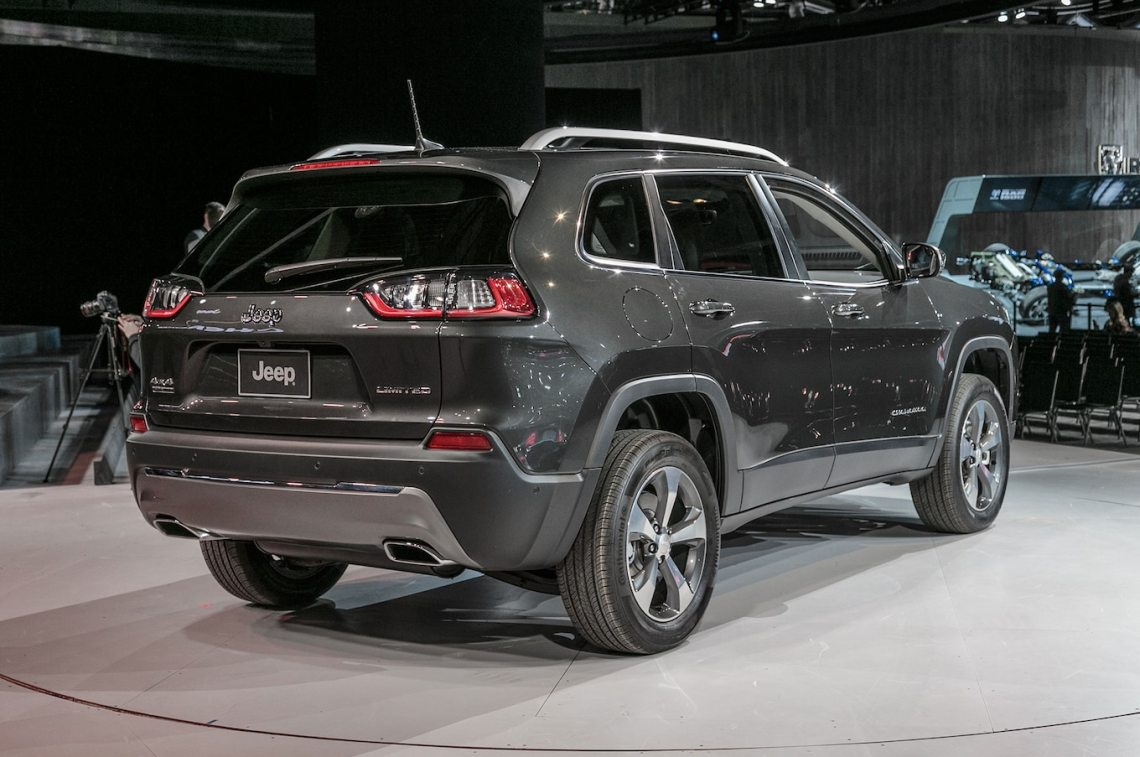 2019 jeep cherokee first look: still on comeback trail - motor trend