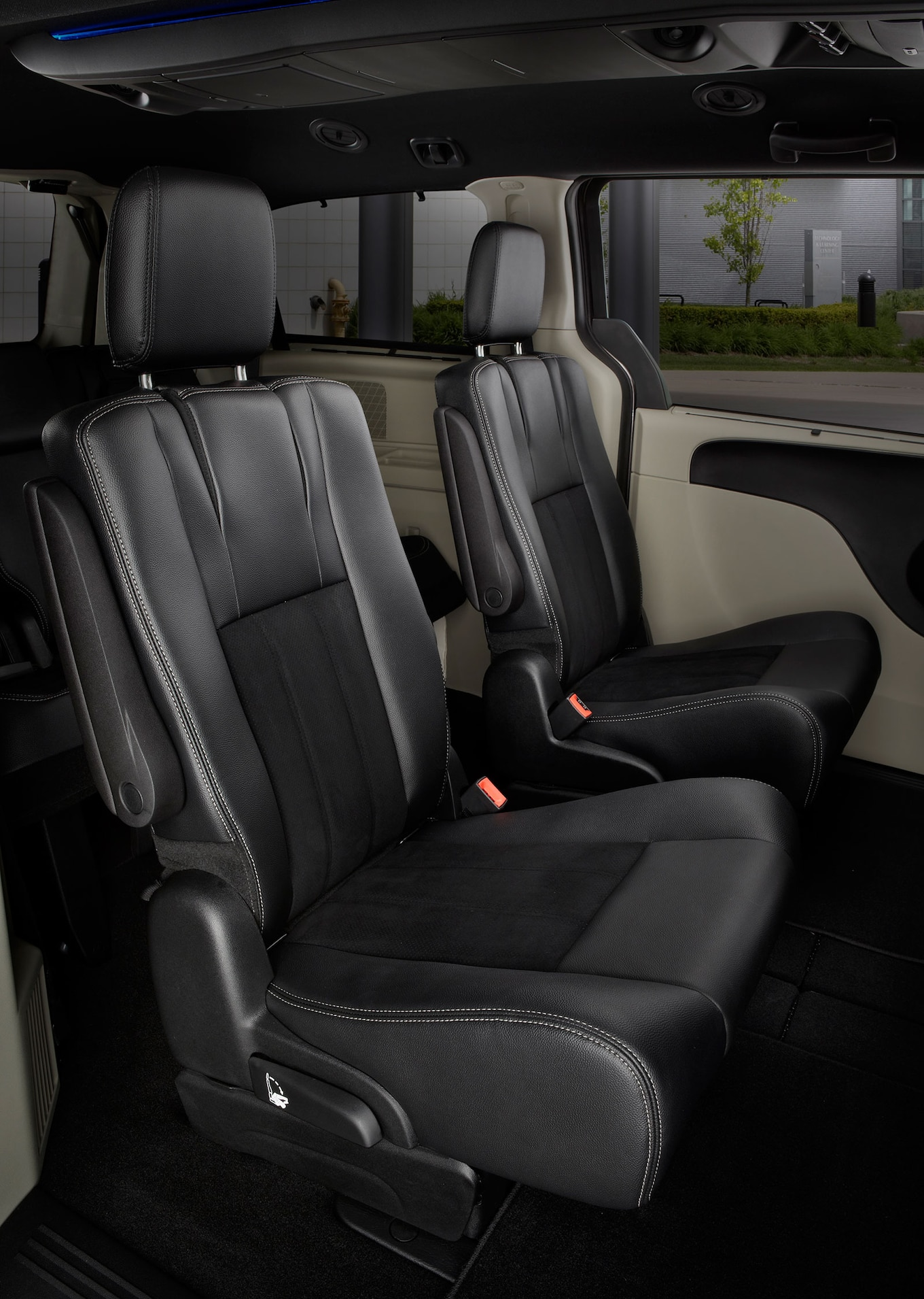 Dodge Caravan Sxt 30th Anniversary Edition