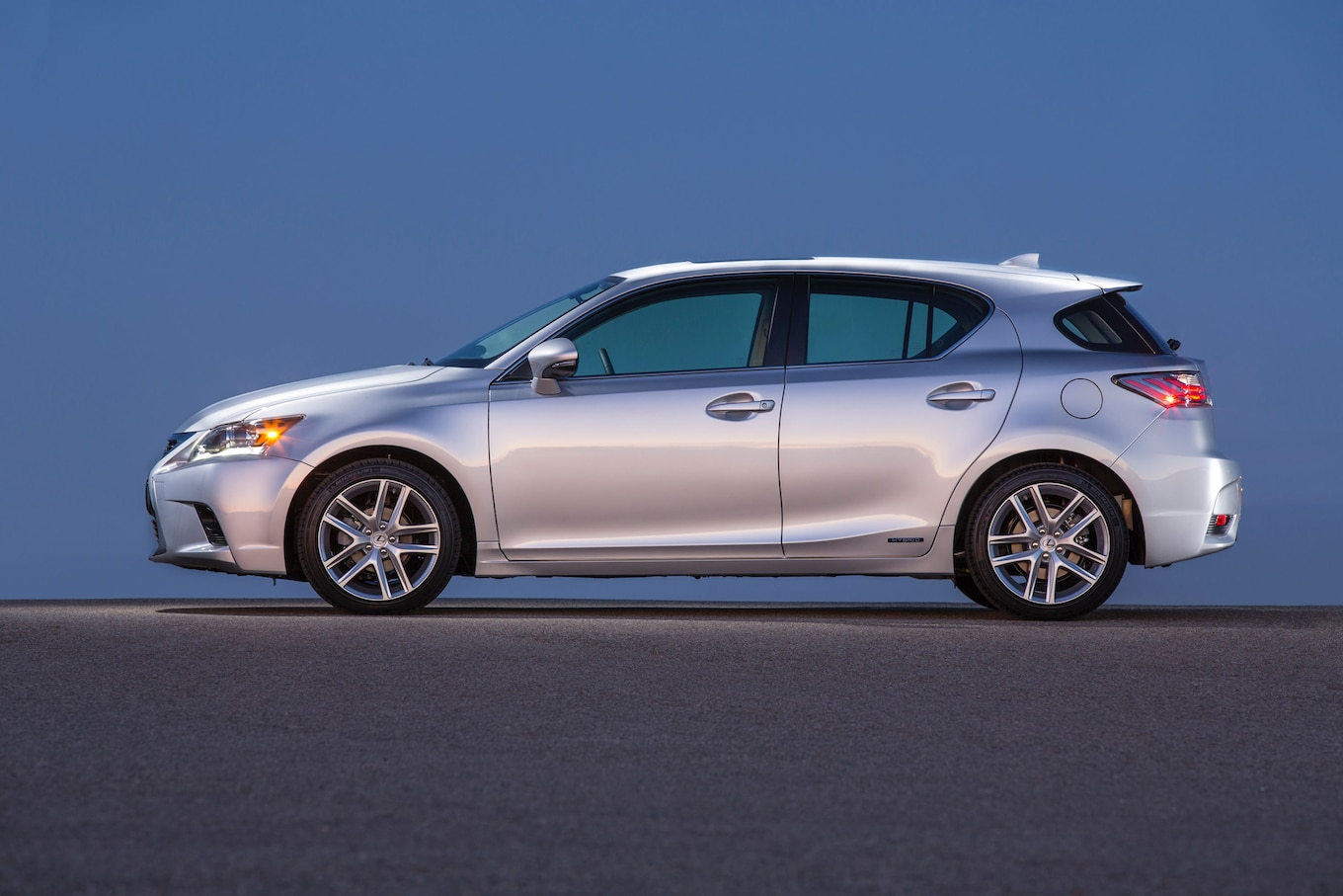 2016 Lexus CT 200h Reviews and Rating