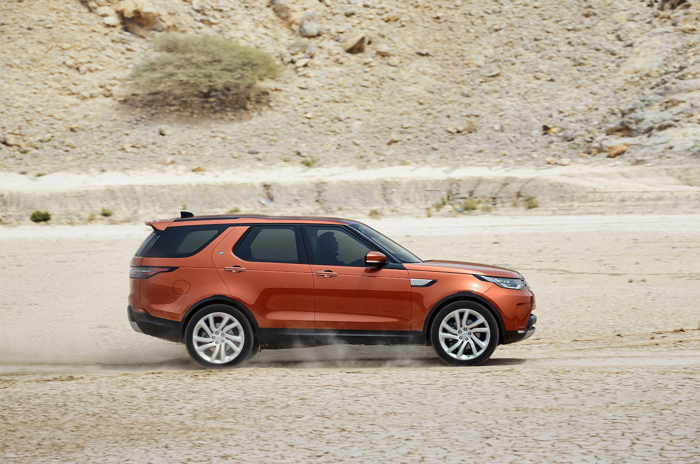 2017 Land Rover Discovery Reviews and Rating