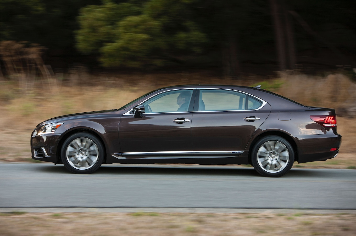 2016 Lexus LS600h Reviews and Rating