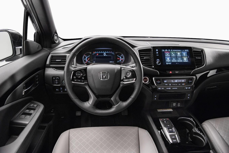 Auto Showdown 2019 Honda Passport Vs 2019 Chevrolet