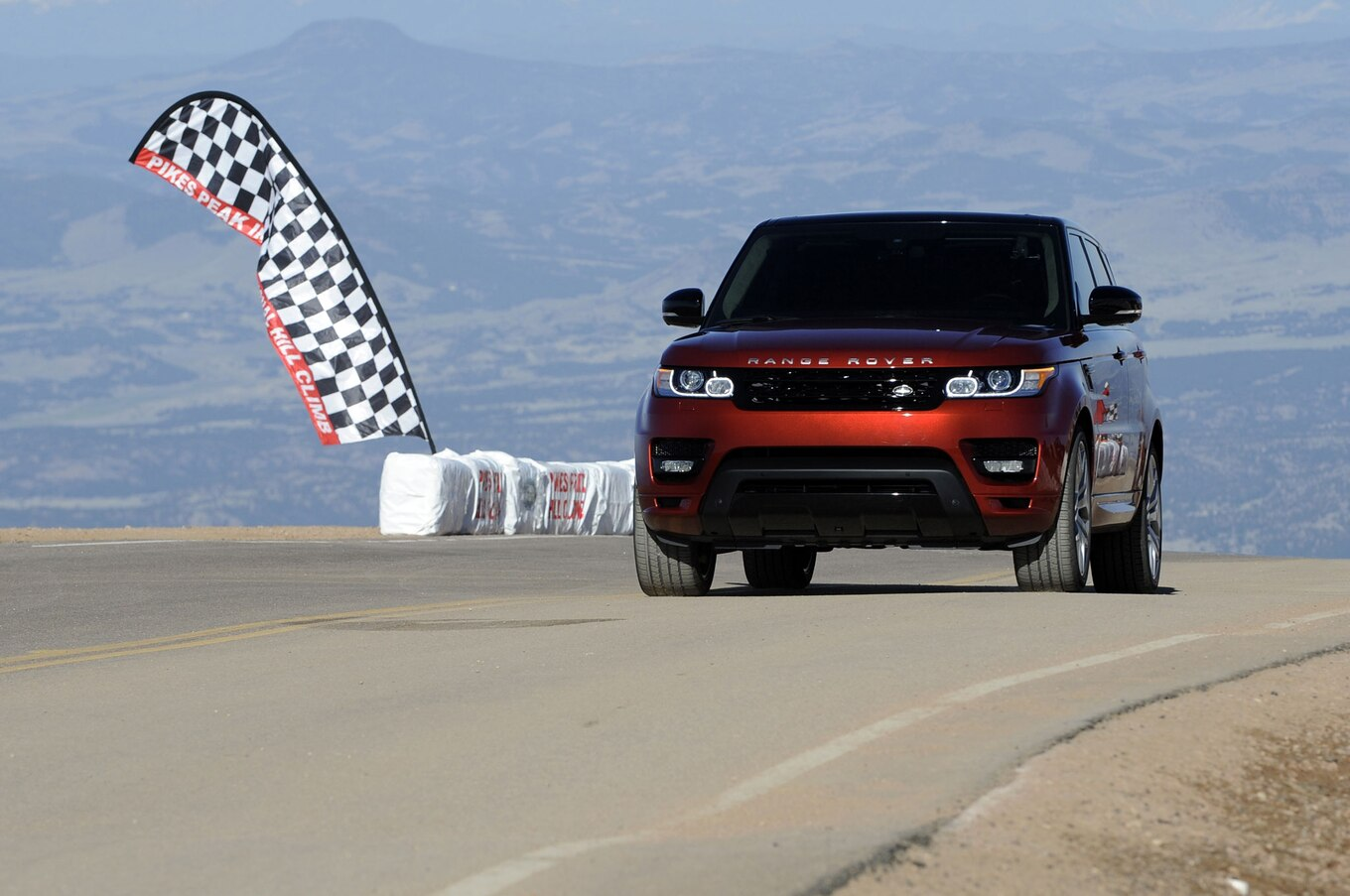 2014 Range Rover Sport Sets Pike s Peak Production Record