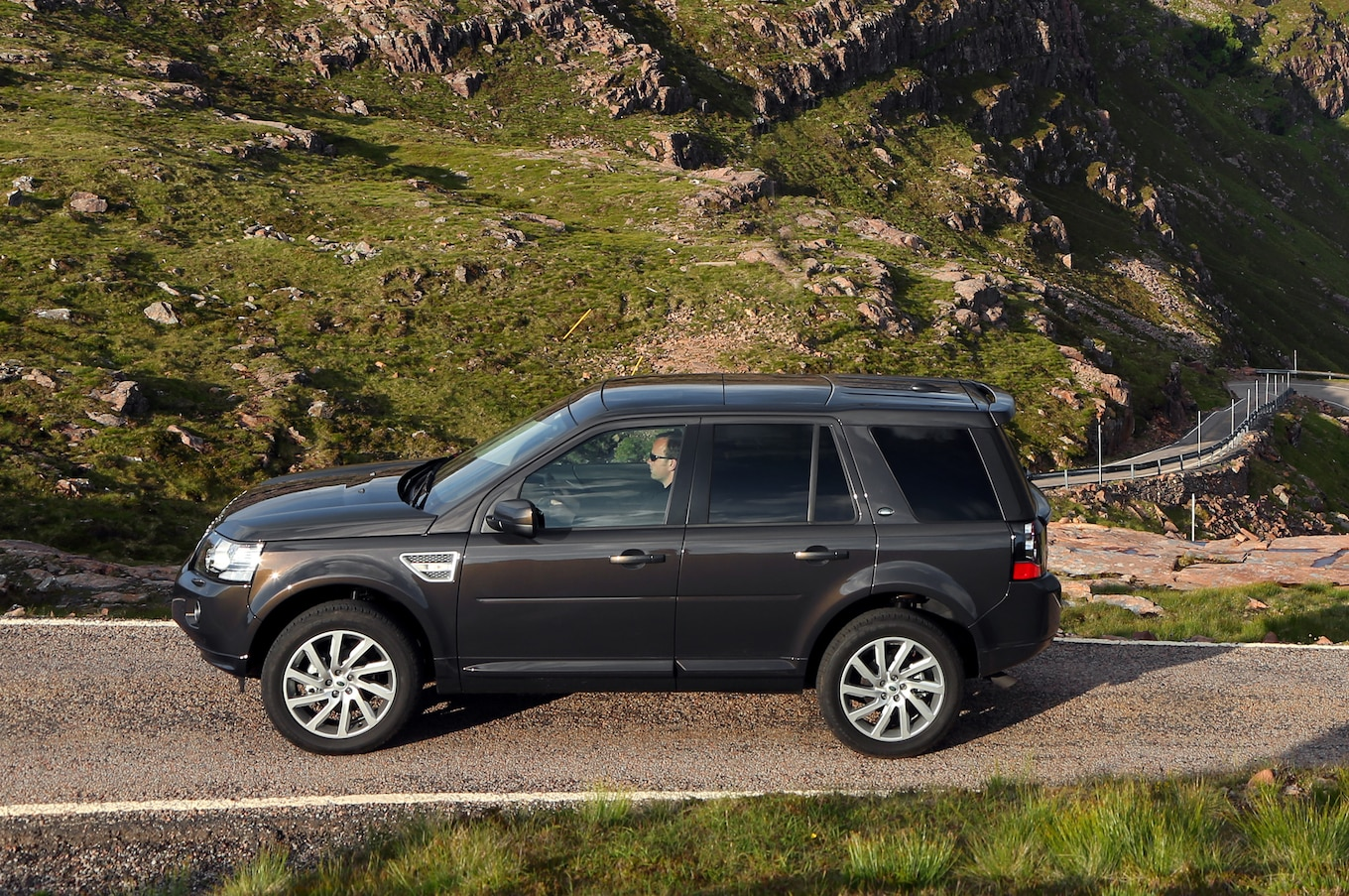 2014 Land Rover LR2 Starts At $37 495 2014 Evoque From $41 995