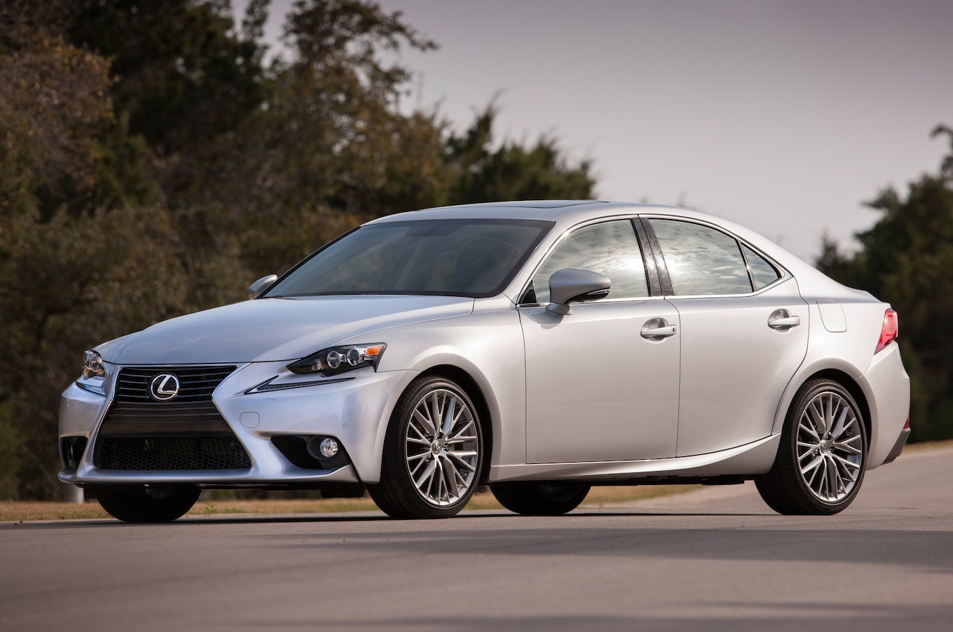Refreshed Lexus IS ing to 2016 Beijing Auto Show