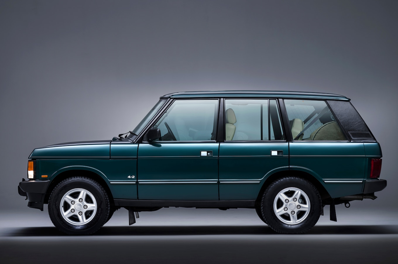 Range Rover Celebrates 21 Years of Autobiography