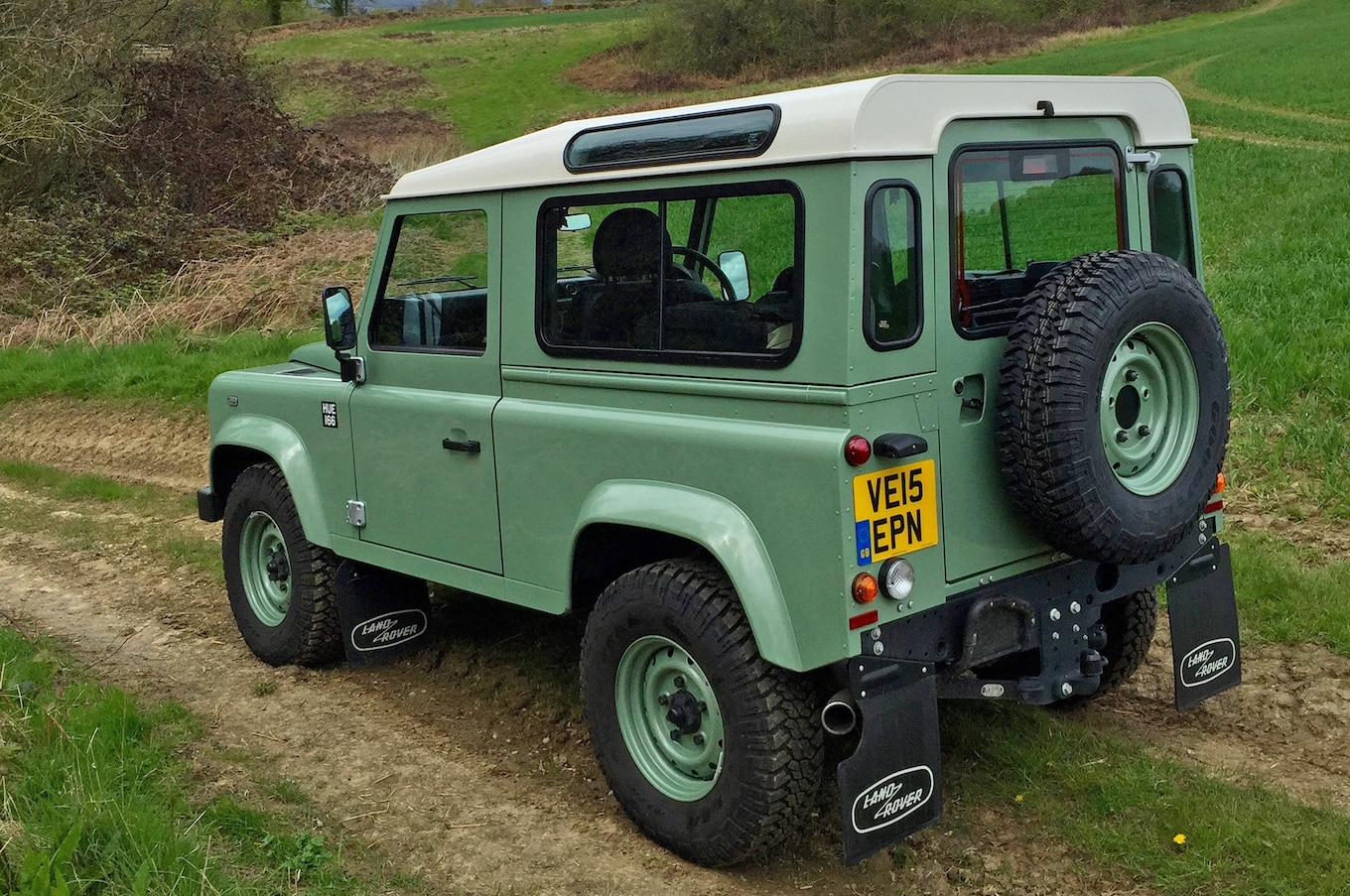 """New Land Rover Defender Is """"Not Far Away """" Says Design Boss"""