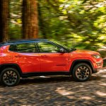 2017 Jeep Compass Trailhawk side in motion 1
