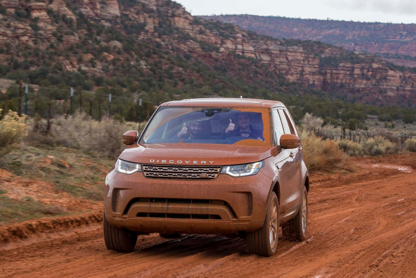 2017 Land Rover Discovery off road 49 Motor Trend