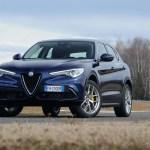 2018 Alfa Romeo Stelvio Q4 front three quarter 03