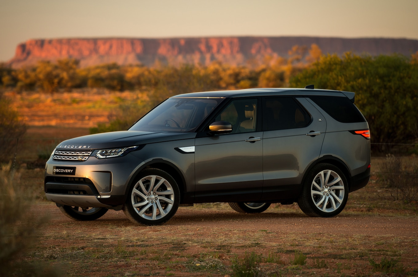 2018 Land Rover Discovery Gains New Tech Priced from $53 085