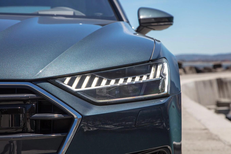 2019 Audi A7 Headlight 02 1 Motortrend