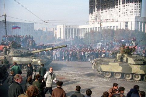 Enquête: les Russes estiment qu'Eltsine est responsable du putsch de 1993