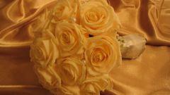 كيفية صنع حفل زفاف ذهبي
