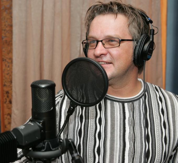 A melhor maneira de impor uma voz a música - registro de estúdio profissional