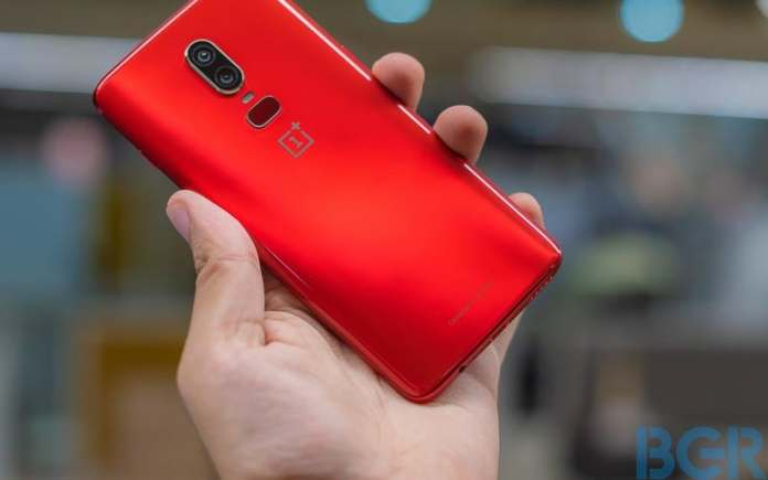 Amazon Freedom Sale: Deals on mobiles like OnePlus 6, Samsung Galaxy Note 8, Realme 1 and more OnePlus 6 Red 12