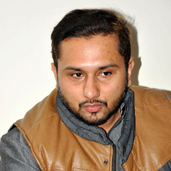 Yo Yo Honey Singh Looks Sleep Deprived At A Press