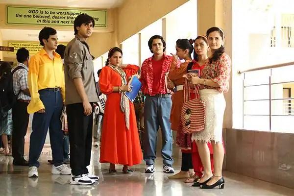 College-times-in-Yeh-Un-Dino-Ki-Baat-Hai