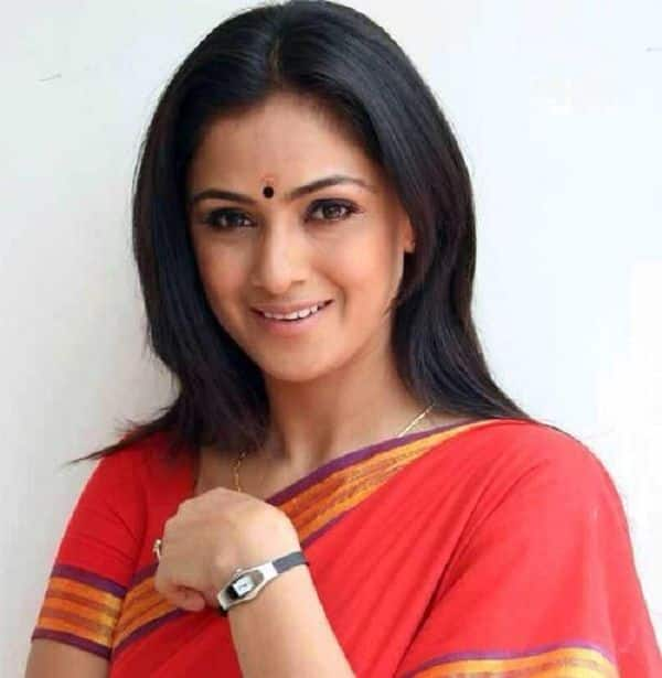 After David Warner, Petta actress Simran Bagga grooves to Allu Arjun-Pooja Hegde's Butta Bomma and nails like a boss — watch video