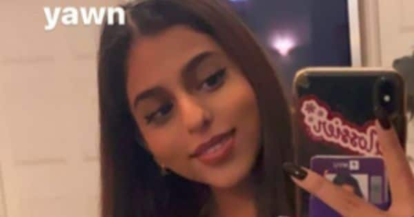 Shah Rukh Khan's daughter Suhana Khan's mirror selfie game is on point