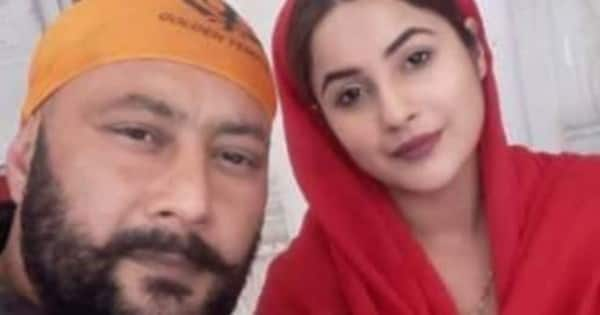 Shehnaaz Gill's father Santokh Singh Sukh shares an UNSEEN family picture; leaves fans confused