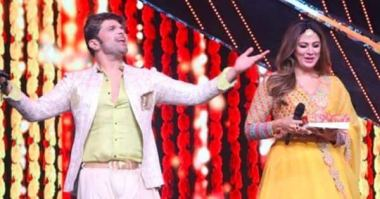 Himesh Reshammiya's wife, Sonia Kapoor, shows off her dancing skills on the upcoming episode – view sneak peek