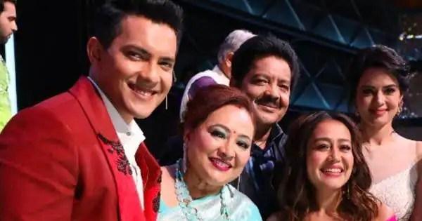 Udit Narayan, the special guest on the next episode, tells Neha Kakkar, 'Bohot kanjus ho, humein toh ek mithai bhi nai mila' – view pics