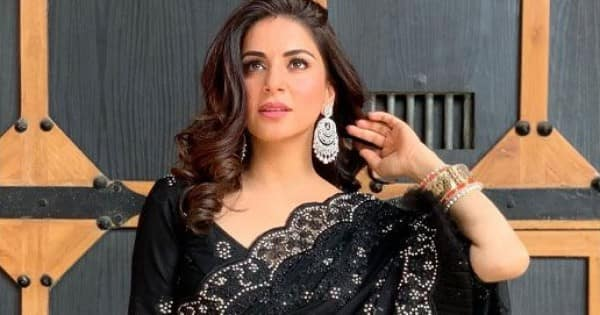 Kundali Bhagya's Shraddha Arya looks regal and chic in a black saree – view pics
