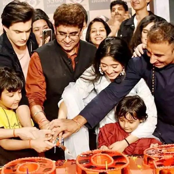 Yeh Rishta Kya Kehlata Hai completes 12 years and 3300 episodes: Shivangi Joshi, Mohsin Khan, Rajan Shahi and others have grand celebrations on the set