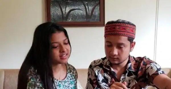 Pawandeep Rajan turns harmonium teacher for Arunita Kanjilala; but the way she looks at her new 'guru' will melt your heart