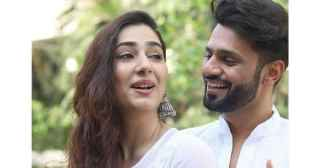 Disha Parmar misses boyfriend Rahul Vaidya as she shares throwback pics of them twinning in white – view pics