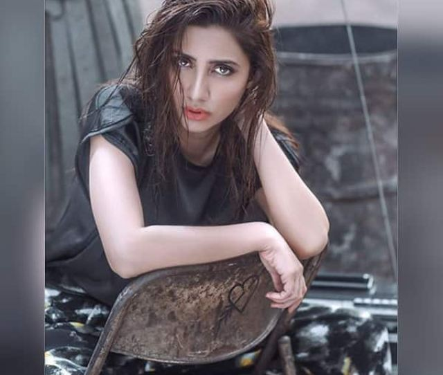 Mahira Khan Turns Up The Heat With This Picture