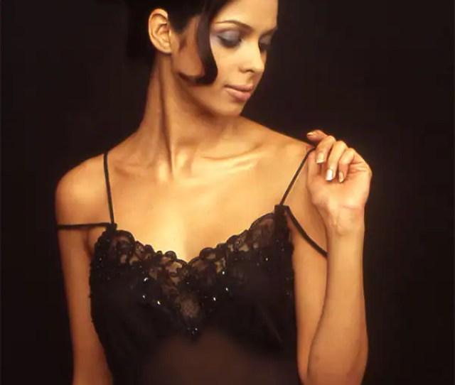 Mallika Sherawat In This Night Wear Will Soar Temperatures
