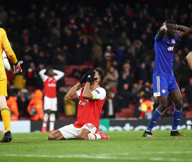 Arsenal Knocked Out Of Europa League By Olympiacos Netizens Troll