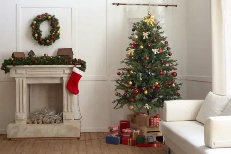 クリスマスツリー 飾り方 コツ