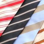 ネクタイを家で簡単に洗濯するコツと長く愛用するための保管方法
