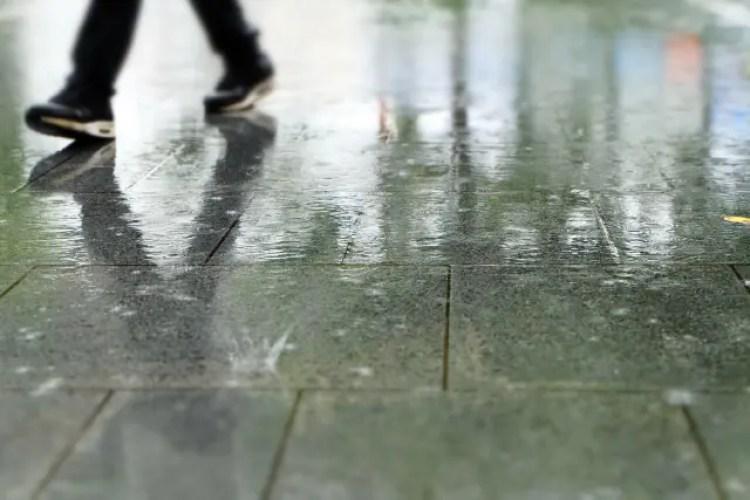 靴 防水スプレー 頻度 効果