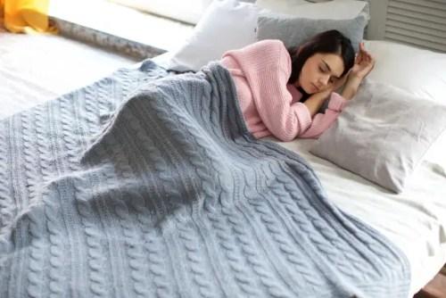 寝る 暖房 温度