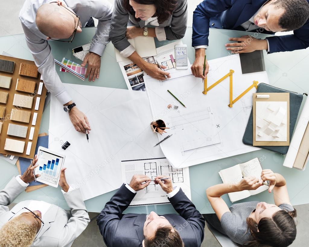 Grupo De Pessoas Brainstorming