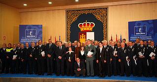 Presidenta Cospedal impone condecoraciones Policía Local. Foto: JCCM.