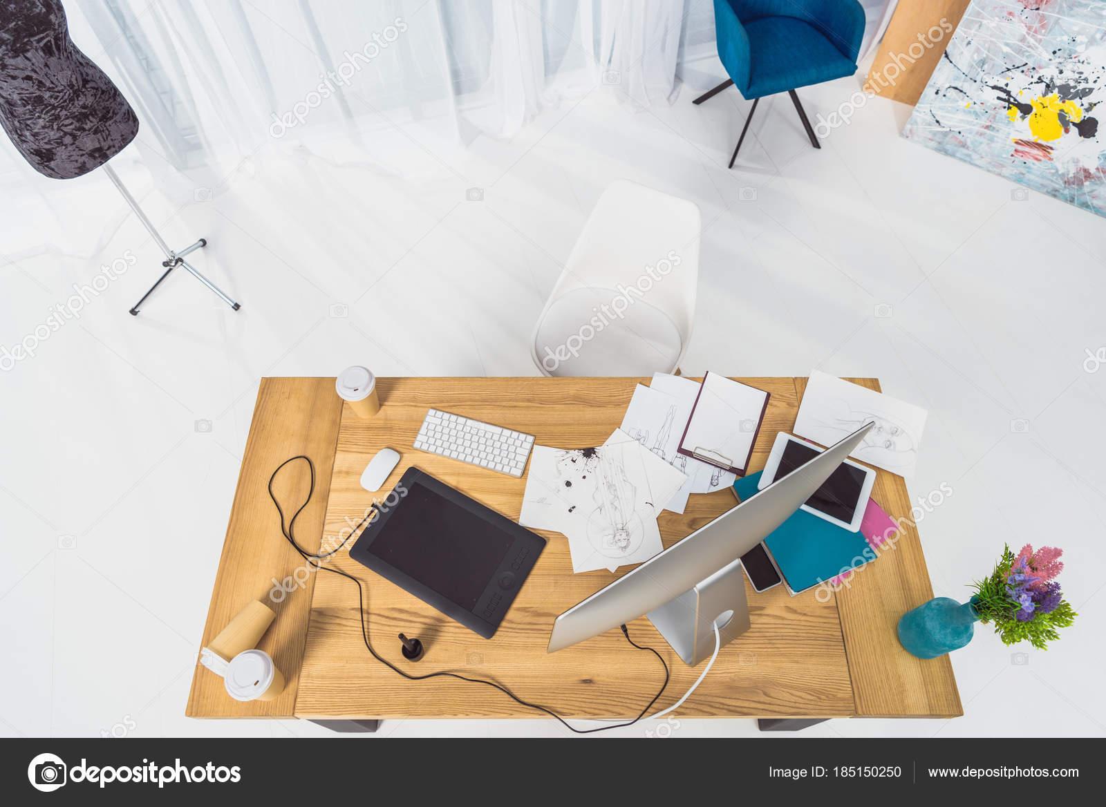 https depositphotos com 185150250 stock photo top view table designer fashion html
