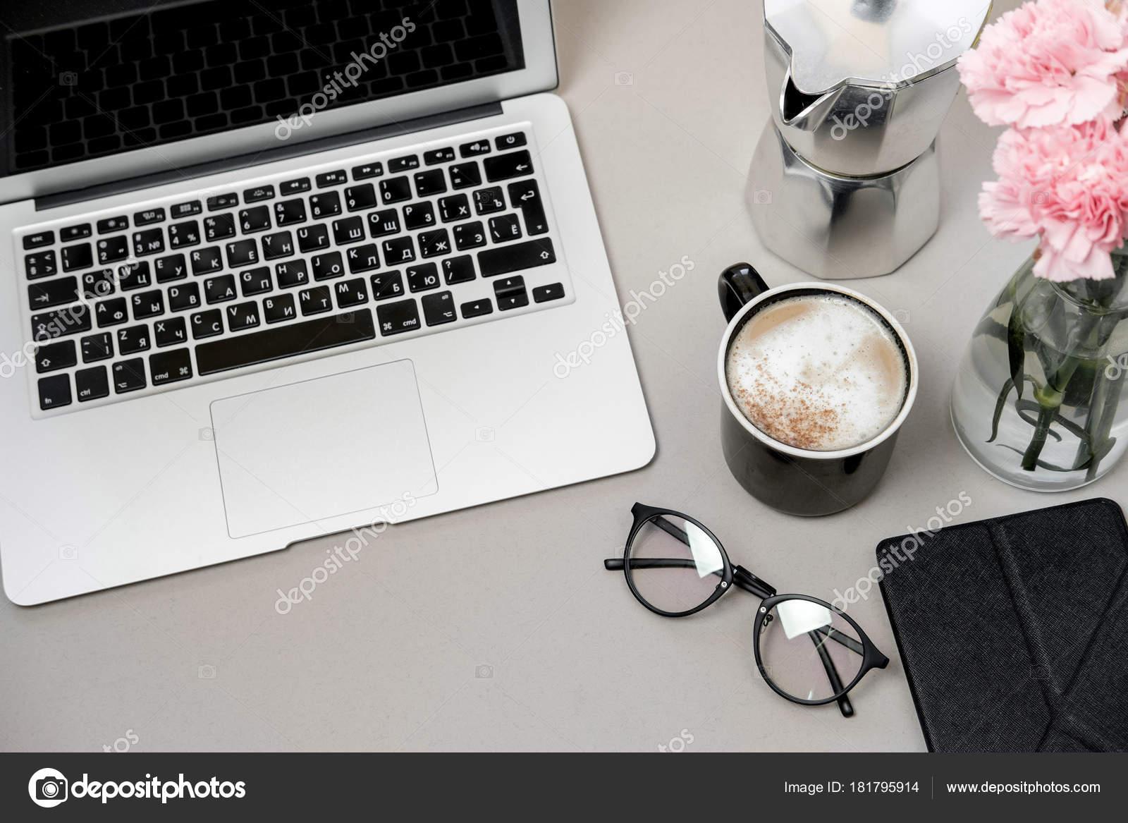 https depositphotos com 181795914 stock photo work space table laptop phone html