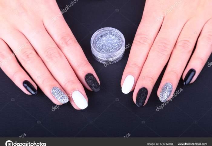Manicura Negro Y Dorado Negro Blanco De Uñas De Manicura Arte